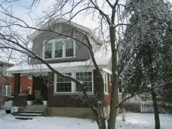 House_in_snow_and_ice