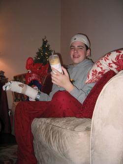 Mac_on_christmas_3