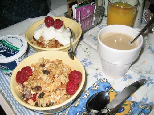 Breakfast_in_bed